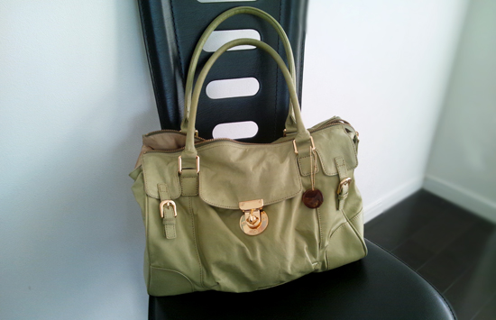 light_green_bag.jpg